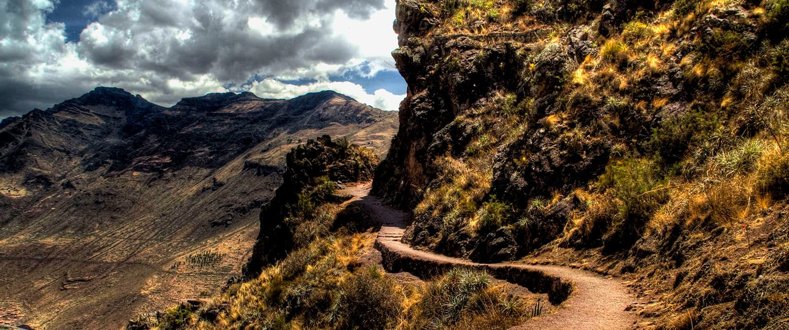 inka trail hiking to machu picchu