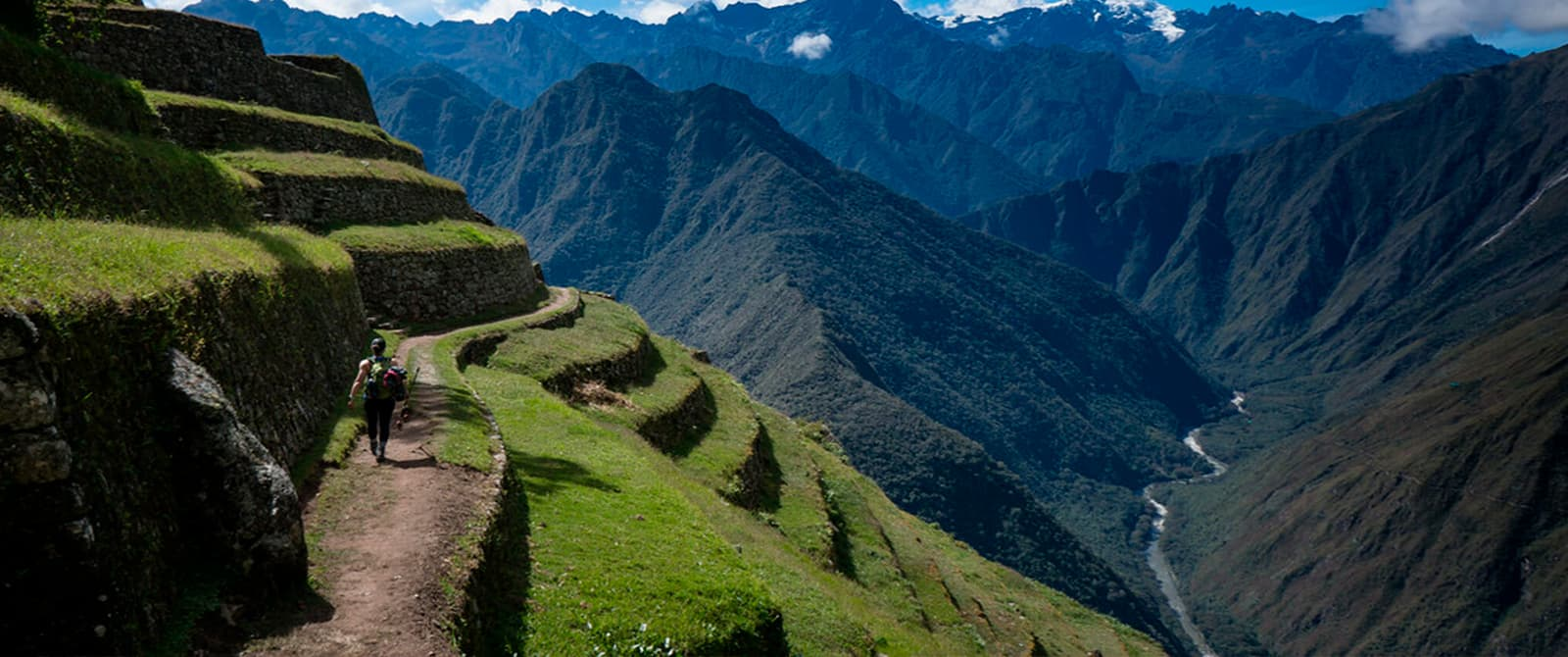 trek to machu picchu by inca trail