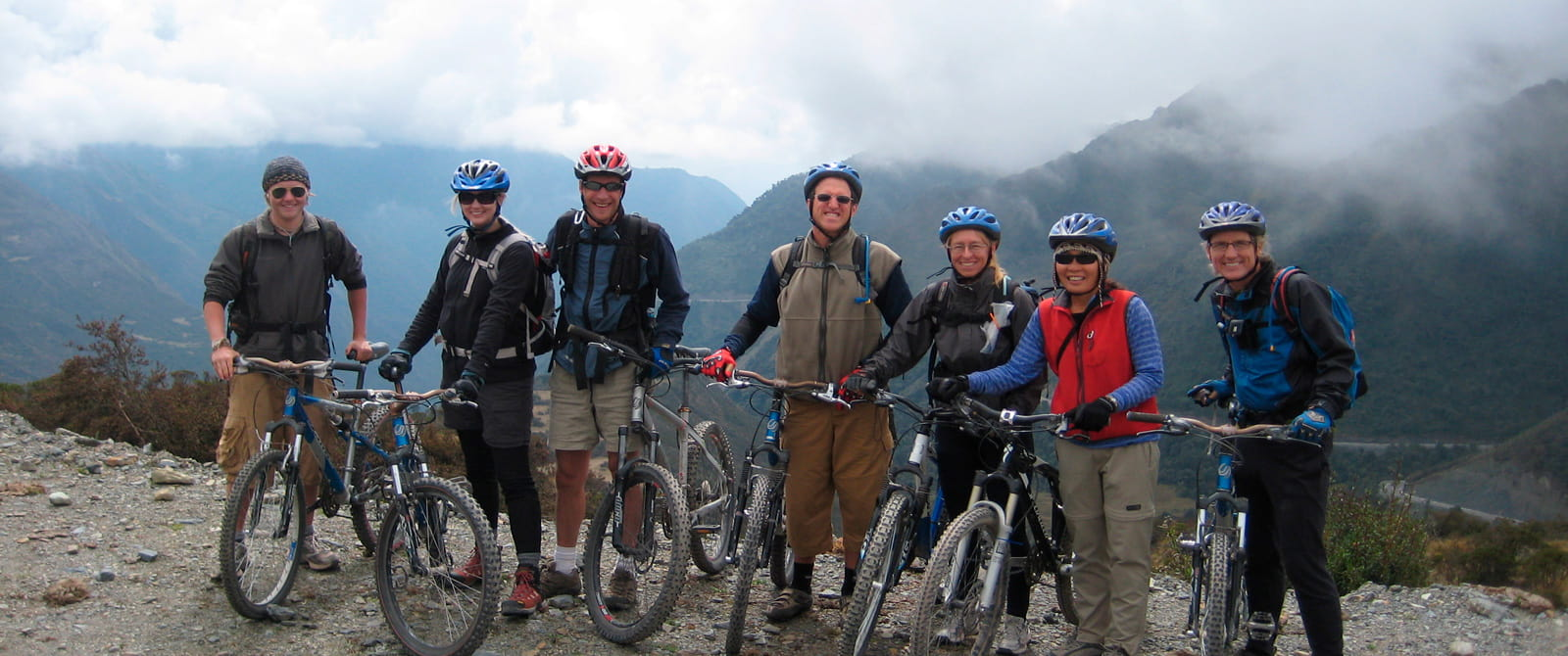 inca jungle biking to machu picchu